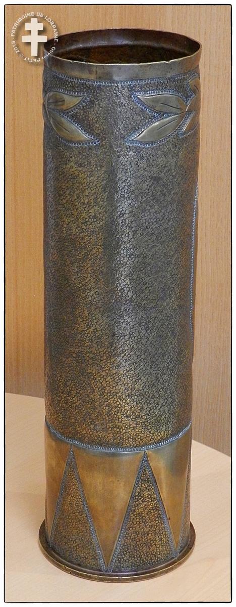 GUERRE 14-18 : Douille sculptée de la Victoire (1918) : Quand le Coq français terrasse l'Aigle allemand !