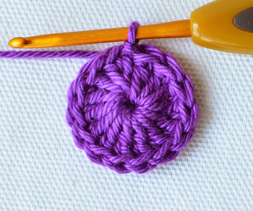 Learn to Crochet: How to Make a Magic Circle (or Magic Ring) - The ... | 687x824