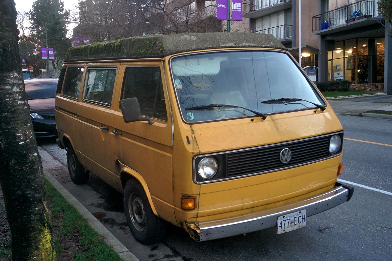 old parked cars vancouver 1980 volkswagen vanagon l westfalia. Black Bedroom Furniture Sets. Home Design Ideas