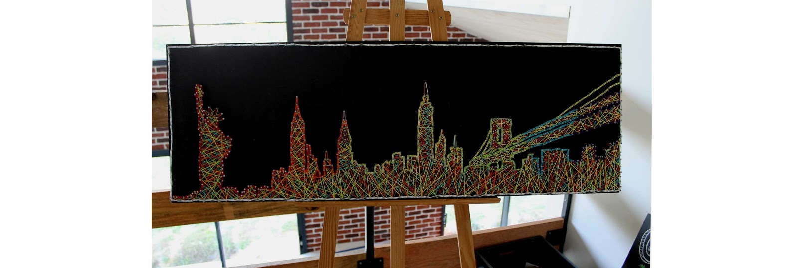 High Five Family tableau string art New-York