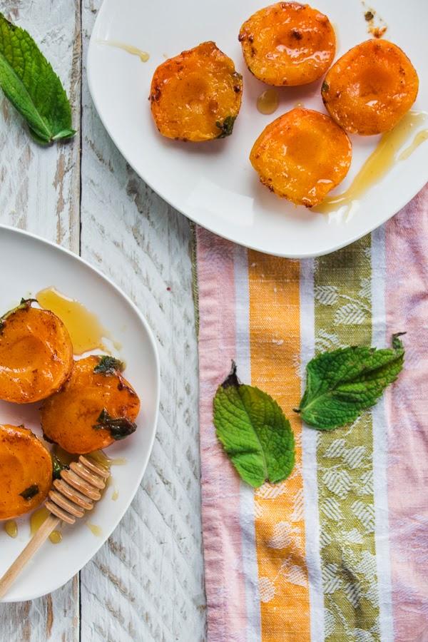 Roasted honey apricots