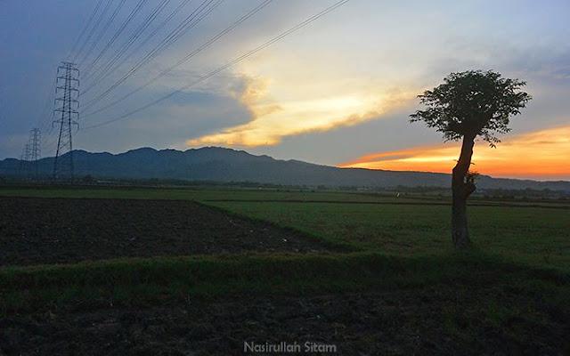Menyapa mentari di desa Dasun, Lasem