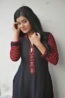 HeyAndhra Yamini Bhaskar Glamours Photos HeyAndhra.com