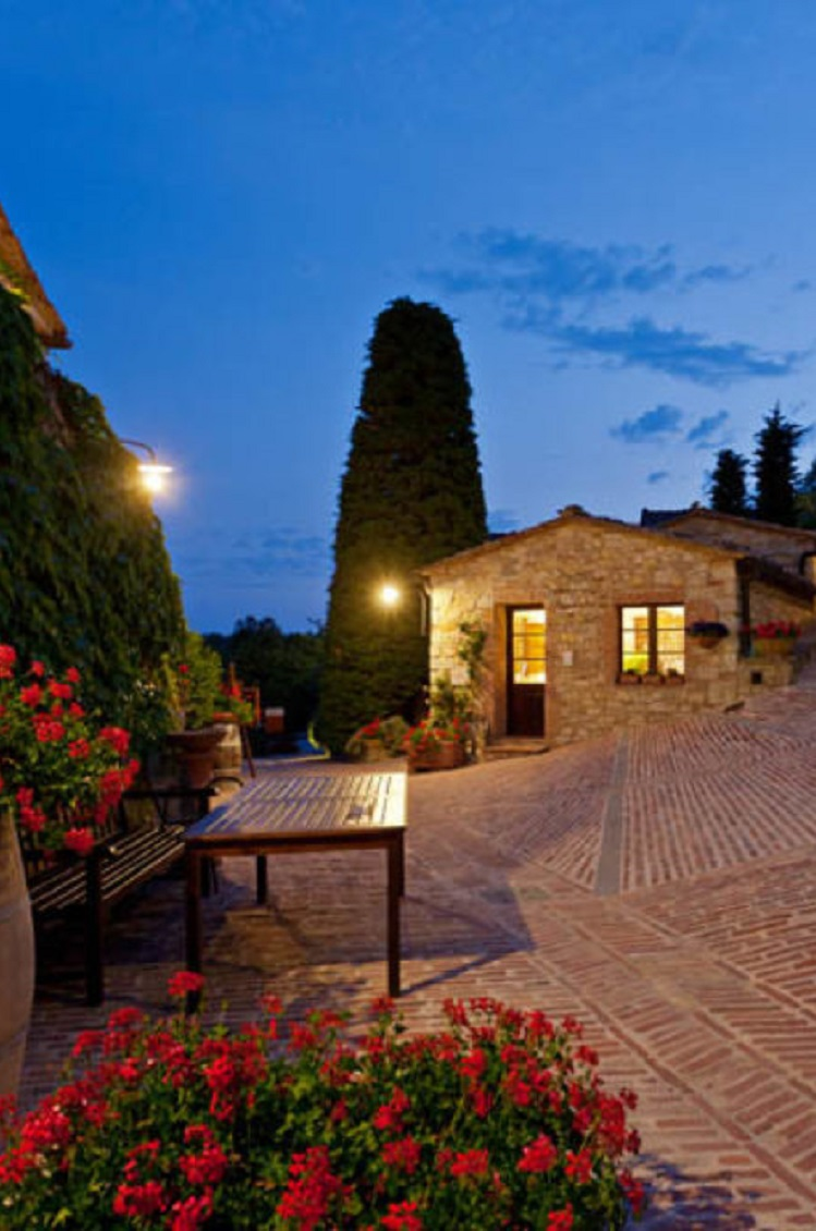 5 Stunning Vineyard Hotels In Tuscany Italy
