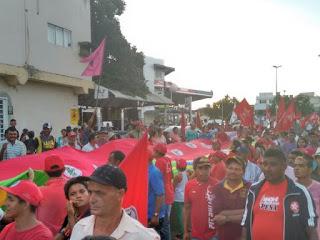 """REGIONAL: Caruaru tem protesto contra """"golpe"""" e em favor da democracia"""