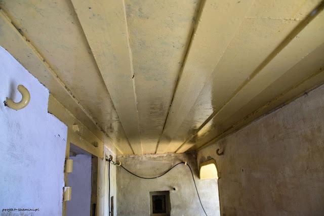 770, malowanie sufitu w śluzie wejściowej