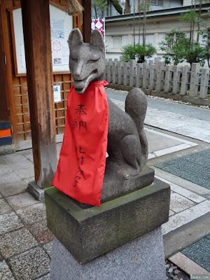 玉津稲荷の狐像