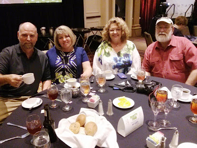 BlogPaws2015 Nose to Nose awards dinner