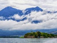 Gunung Cycloop, Doyo Baru, Jayapura, Papua Pemisah Antara Jayapura Dan Laut Pasifik