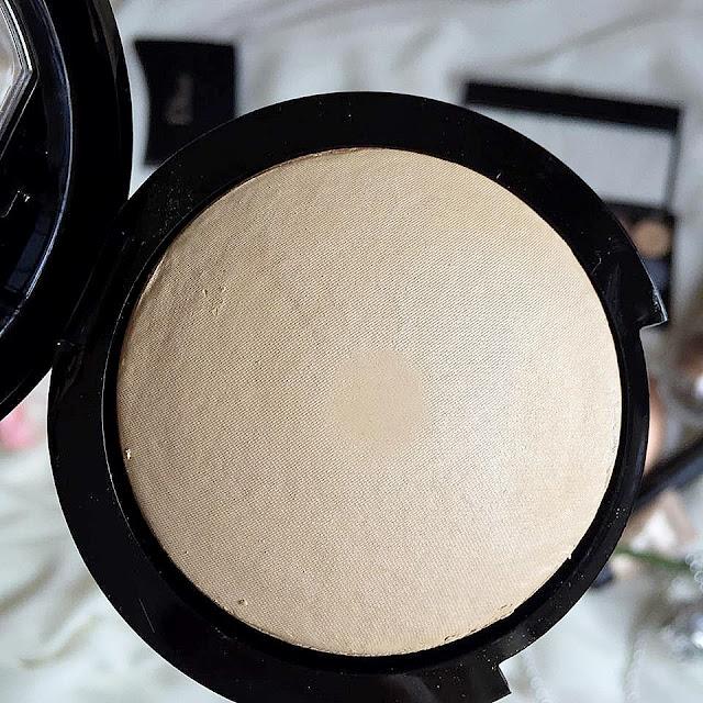 Farmasi Terracotta Porselen Pudra