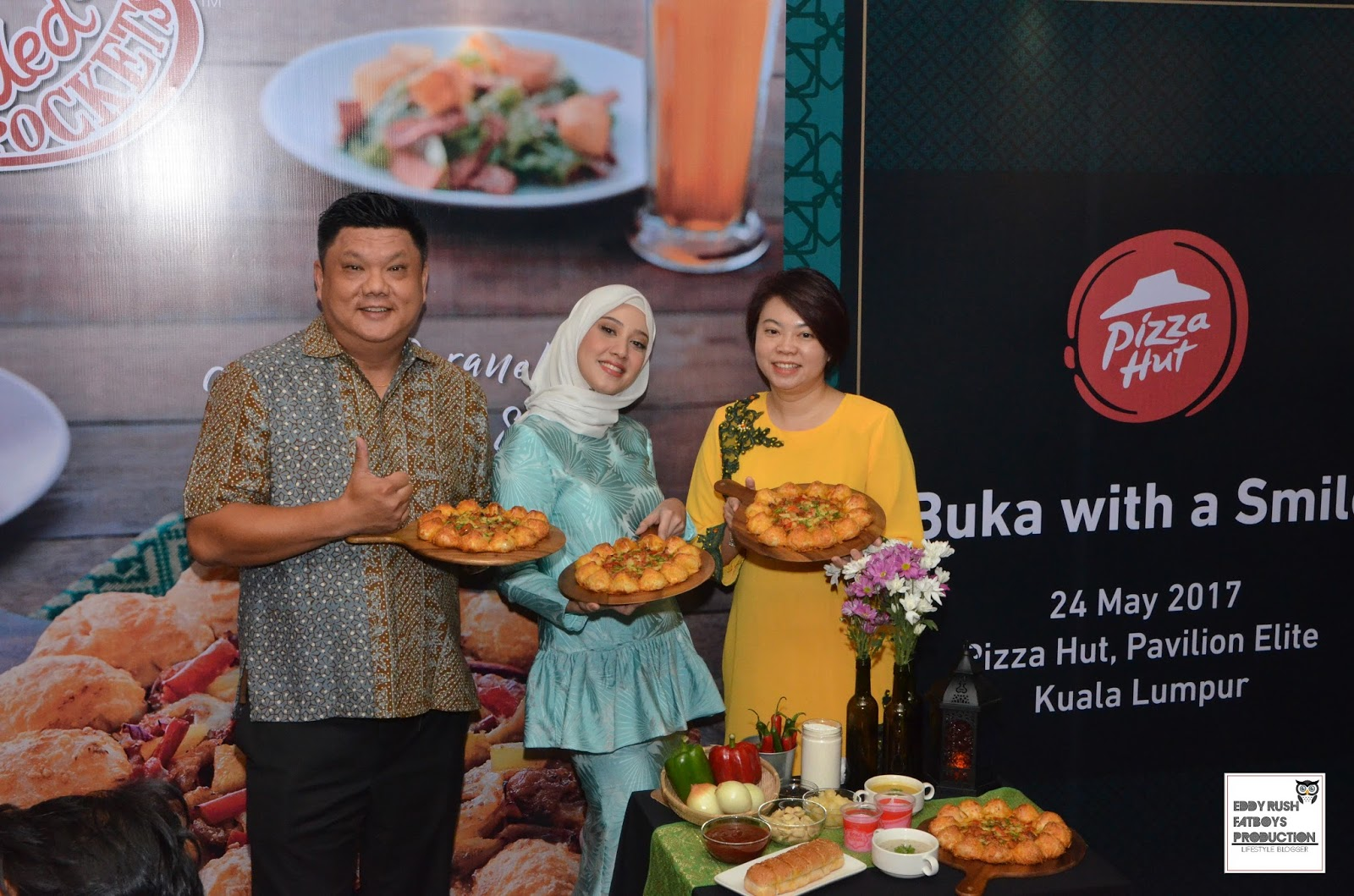 pizza hut malaysia history The history of pizza hut two brothers from kansas founded pizza hut in 1958 the $600 start-up money was borrowed from their mother,.