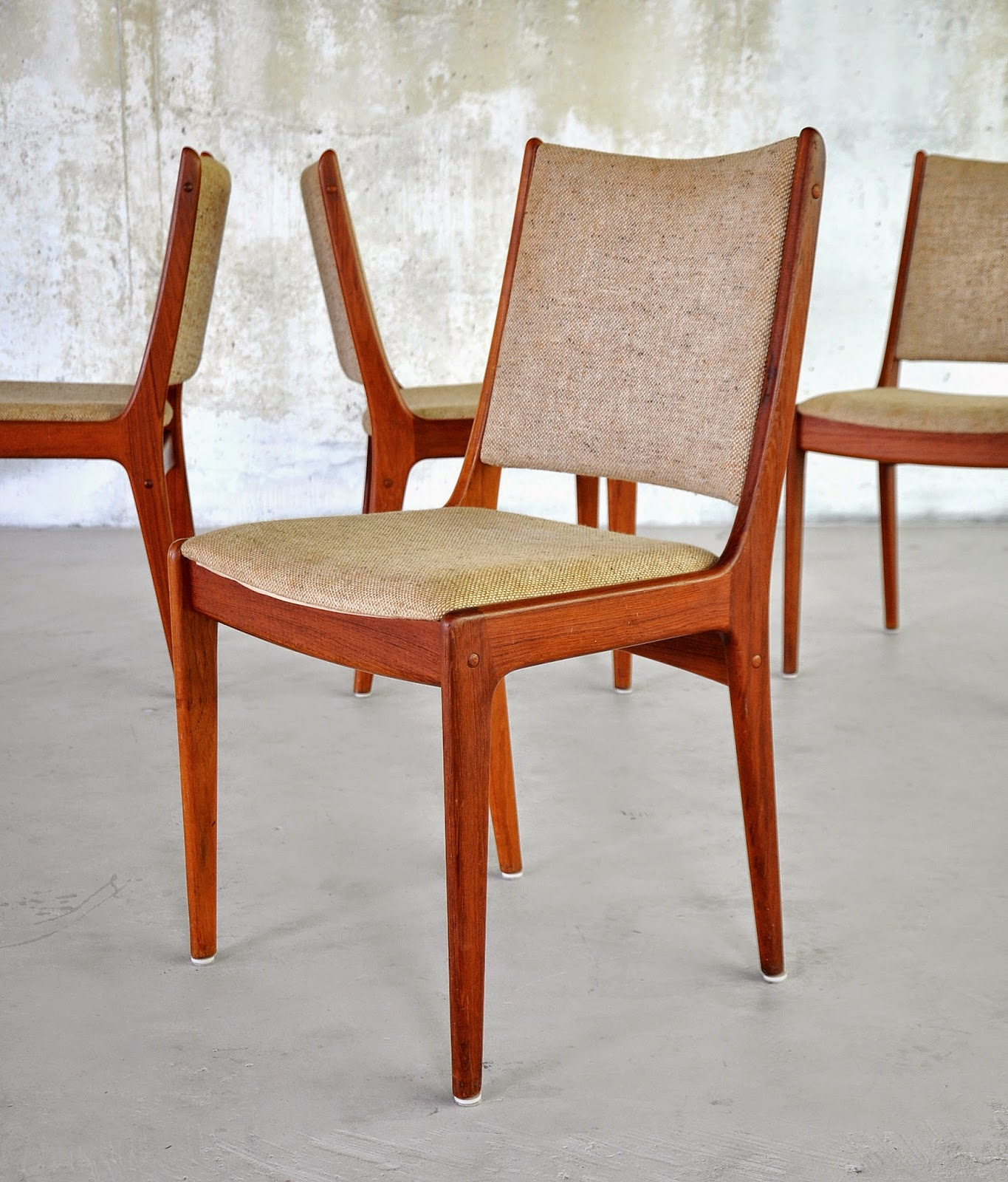 Danish Modern Dining Chairs Cream Leather Select Set Of 4 Teak