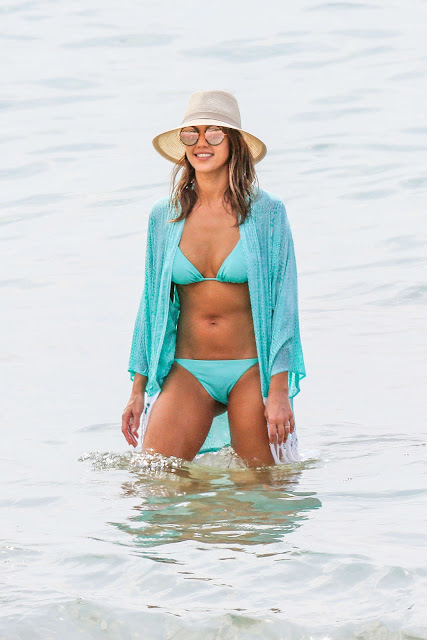 Jessica Alba – Blue Bikini Candids in Hawaii