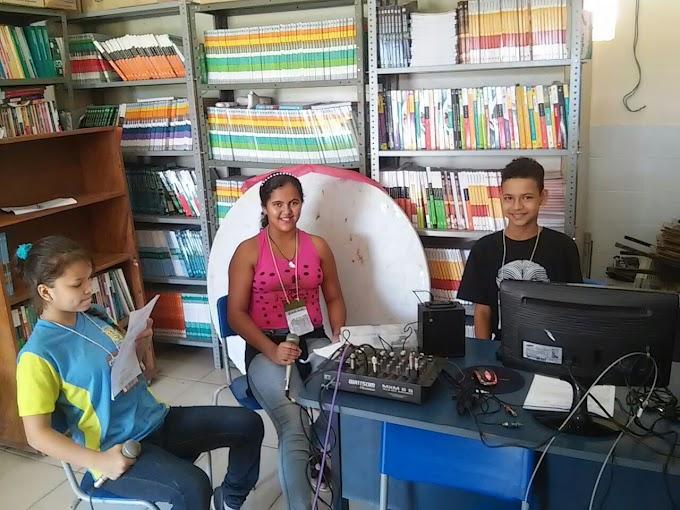 Rádio na escola Municipal Pietro Gerosa