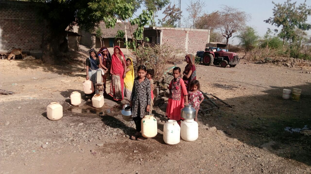 People-of-bolasa-village-craving-for-water