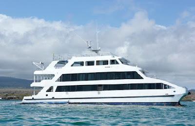 Tours Galápagos Yates de primera clase Crucero Catamarán Queen of Galápagos
