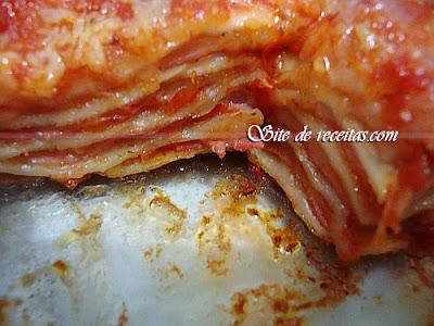 Lasanha de presunto, queijo e bacon