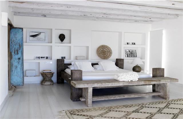 Villa Surga Ibiza dormitorio boho chic decorado con piezas etnicas chicanddeco