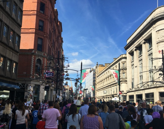 City-Of-The-Unexpected-Cardiff-Celebrates-Roald-Dahl-crowds-in-High-Street