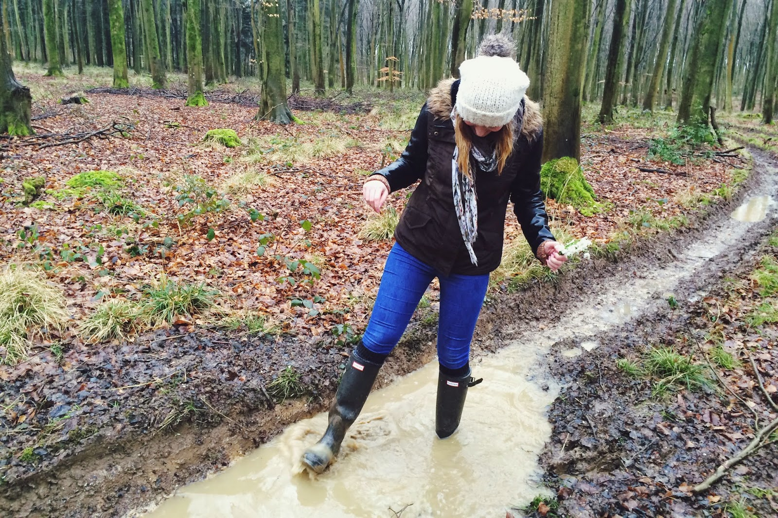 FashionFake, a UK fashion and lifestyle blog. Sundays are best spent relaxing and being cosy - and us country bumpkins love a long walk in the woods before a roast! Read about how we keep warm and happy whilst tough mudding in Hampshire.