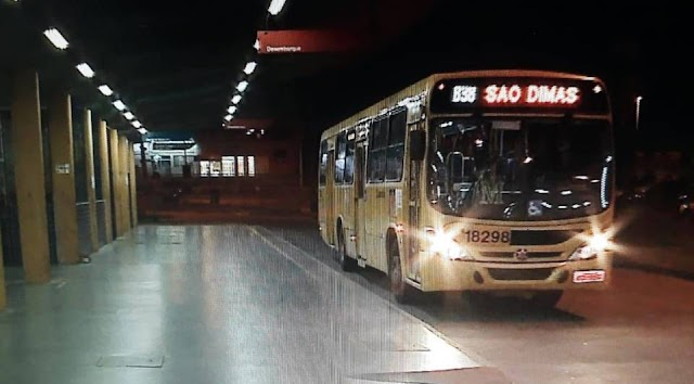 Linha de ônibus sofre arrastão em Colombo