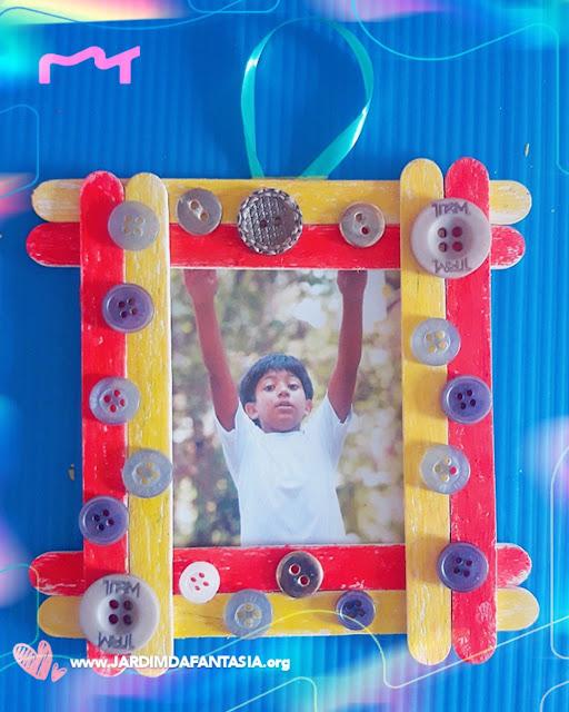 Reciclagem divertida - Porta retrato de palito de picolé