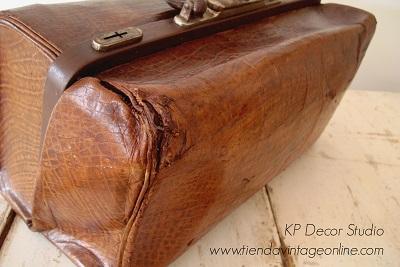 Comprar maletín de médico antiguo para decoración