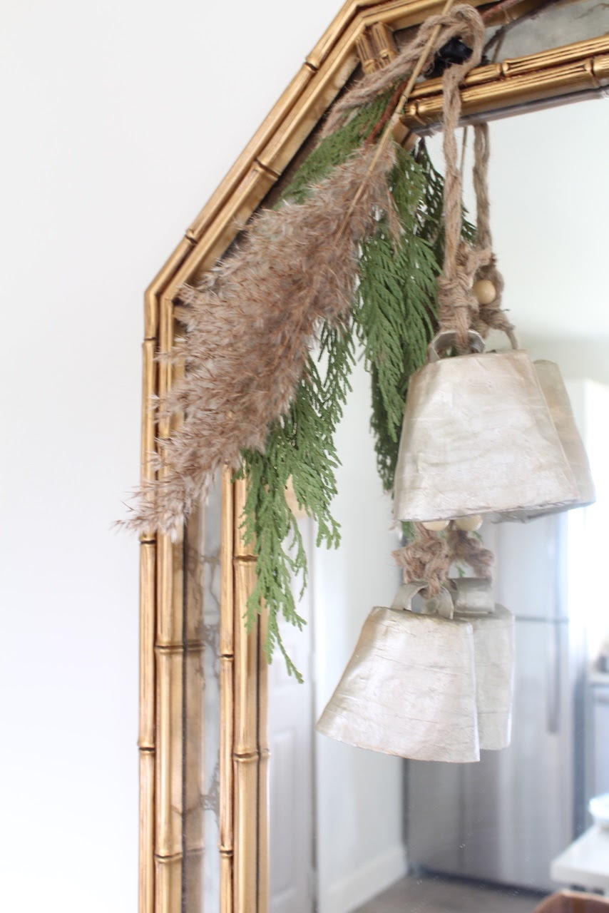nordic-christmas-decorating-ideas-pampas-grass-diy-wedding-holiday-decor-17