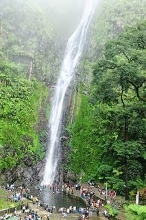 Air Terjun Sedudo - berbagaireviews.com