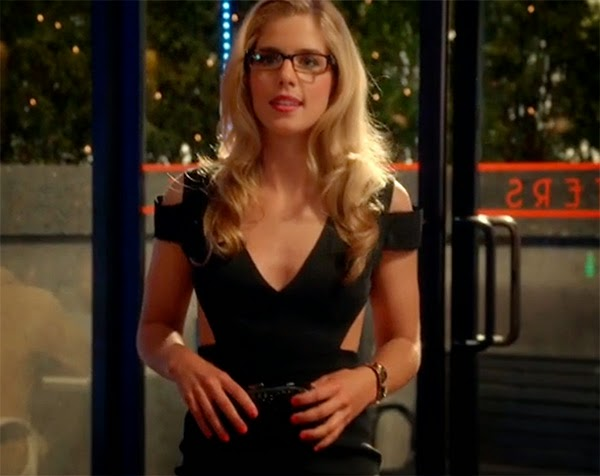Emily Beck Richards es Felicity en The Flash 1x04 - Going Rogue