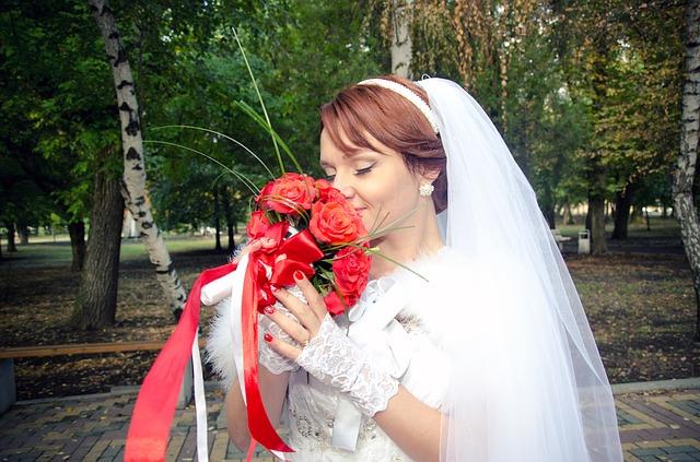 hoa cô dâu cầm tay ngày cưới đẹp nhất