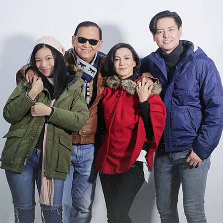 Claudy Putri dan Keluarga