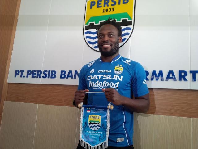Michael-Essien-Resmi-Bela-Persib-Bandung