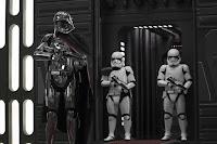 Gwendoline Christie in Star Wars: The Last Jedi (18)