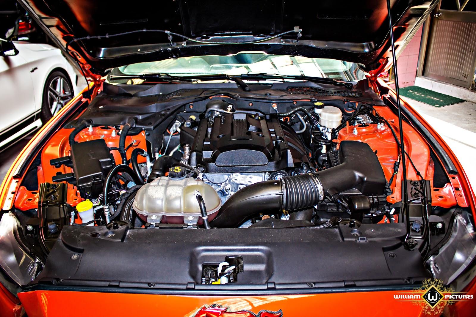 Khối động cơ 5 lít V8, sức mạnh lên đến 725 mã lực, chỉ cần nhấp ga, mọi chuyện tính sau