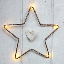 https://www.amanda-mercer.co.uk/seasonal-decorations/gold-led-star-decoration?cPath=33&