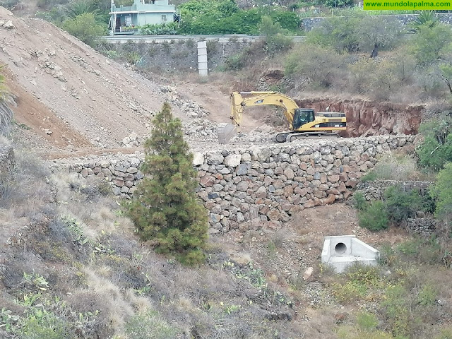Avanzan las obras para crear una nueva zona de ocio y aparcamientos en el acceso sur al casco de Tijarafe