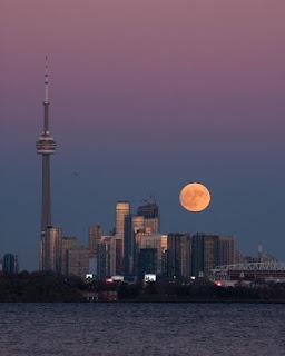 Supermoon di Toronto Kanada