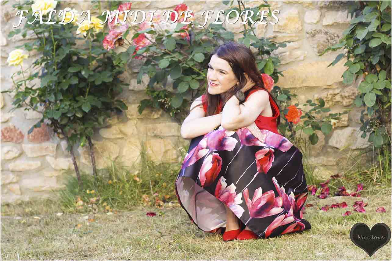 look para una boda, comunión o bautizo. Invitada perfecta con falda midi de flores