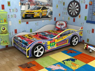 dormitorio con cama coche