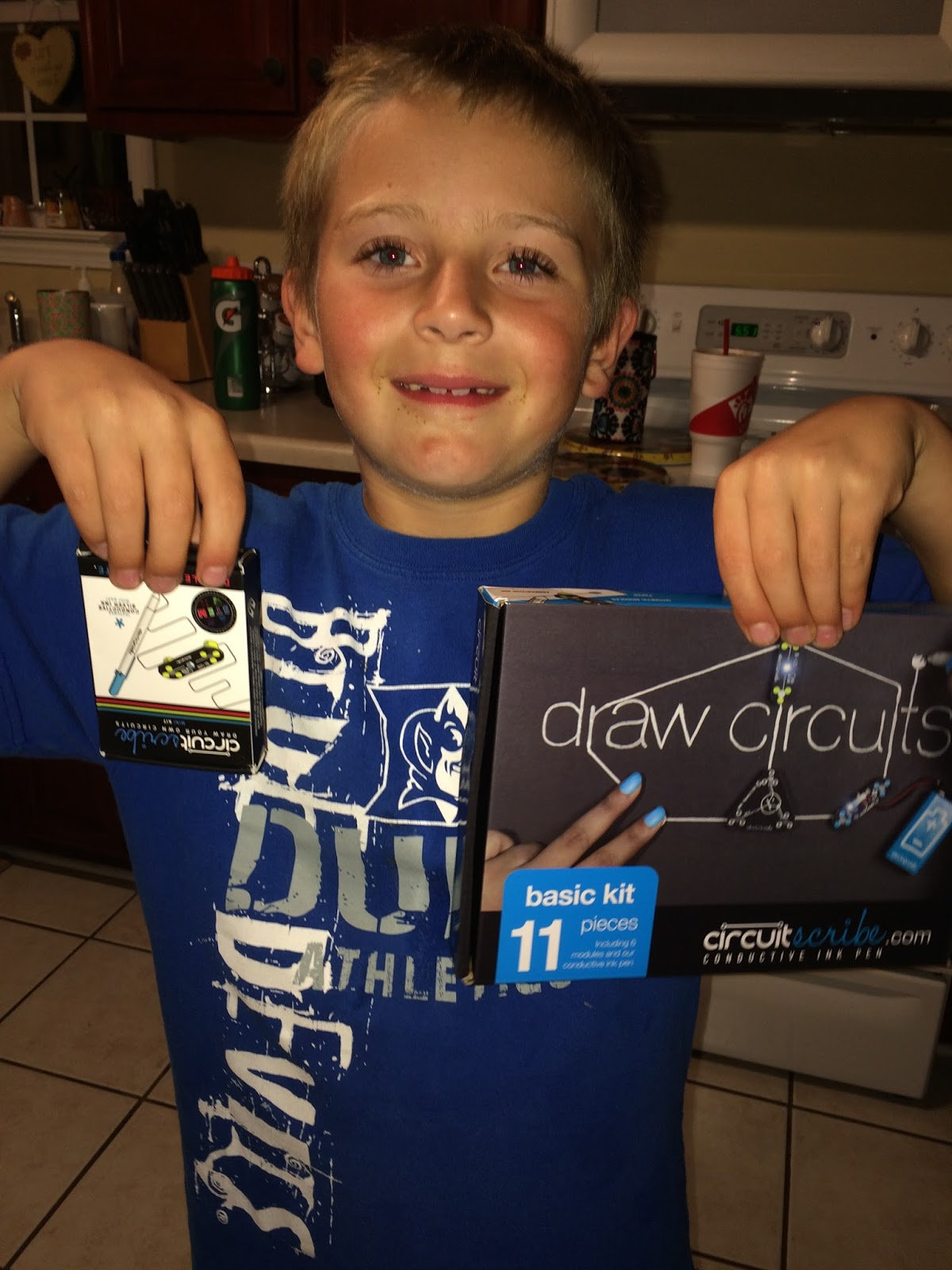 Kids Will Love Circuit Scribe Review Giveaway Mbphgg16 Mommys For Sale I Think Once He Is Familiar With Everything Can Do Going To Get Lots Of Use Out These Fun Kits