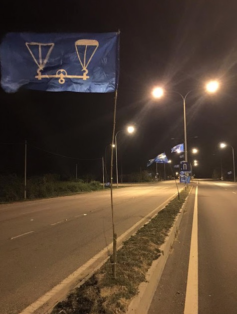 Sebagai tanda protes, bendera BN digantung terbalik oleh Ahli UMNO Kedah