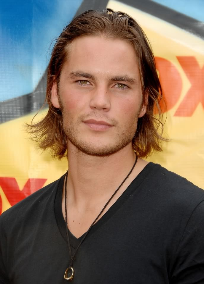 How Did Taylor Kitsch Get Ripped? (Muscle Supplements ...  Taylor Kitsch Ripped