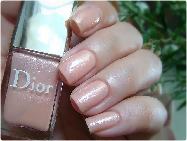 Dior Vernis Nail Polish 253 Rose Dauphine
