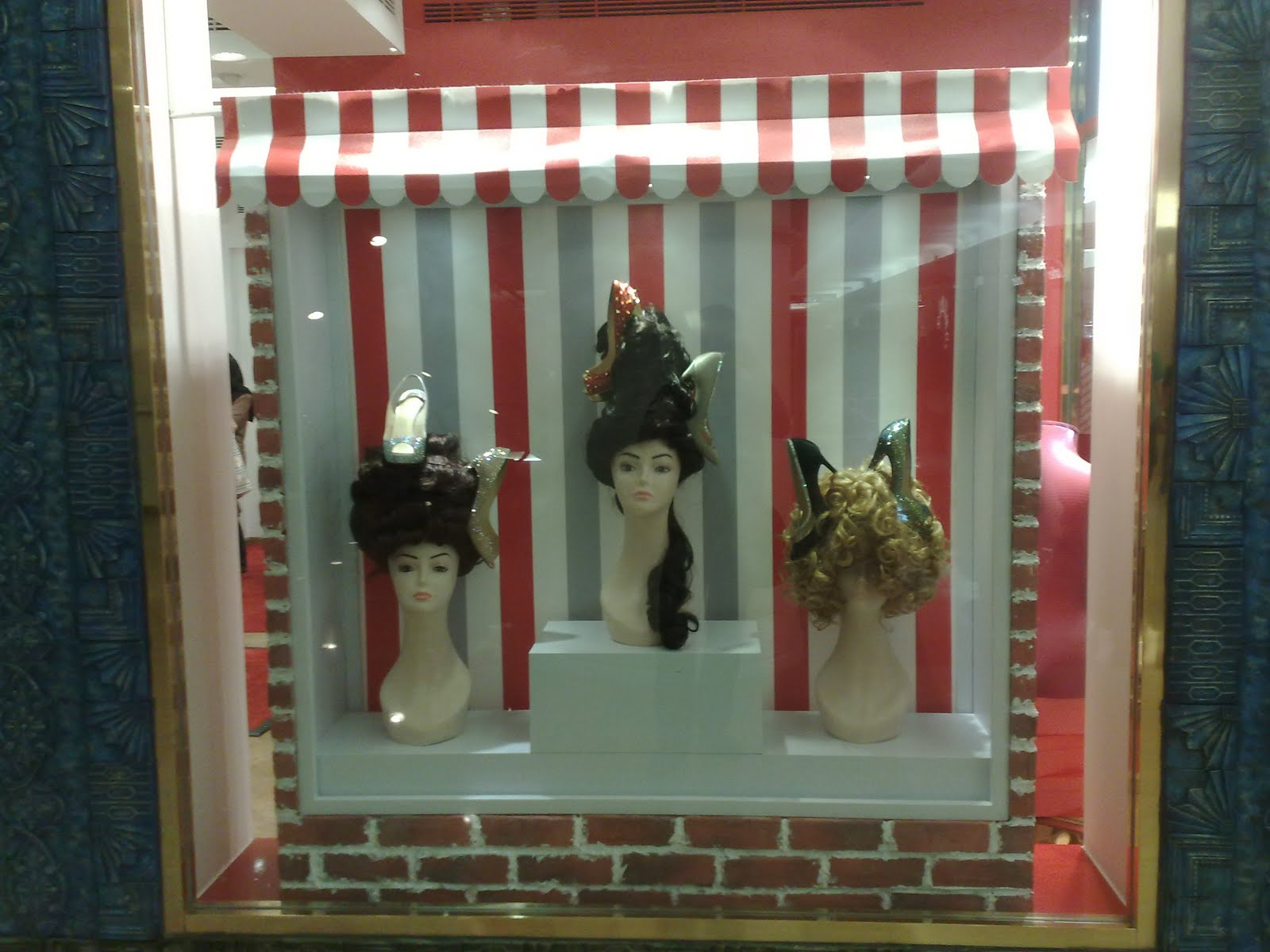 displayhunter: Christian Louboutin: Hair Salon
