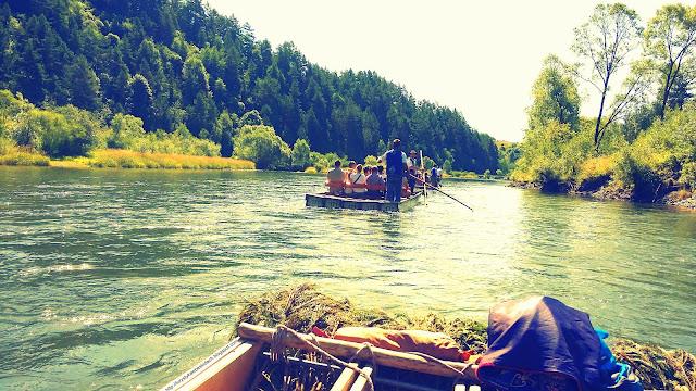 Niesamowity spływ Dunajcem i zapierające dech widoki. Musisz tu być - Zapraszamy Miłośnicy Gór i Podróży
