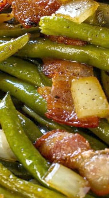 Slow Cooker Barbecued Green Beans #slowcooker #barbecued #greenbeans #veganrecipes #veggies #vegetarianrecipes #vegetablerecipes