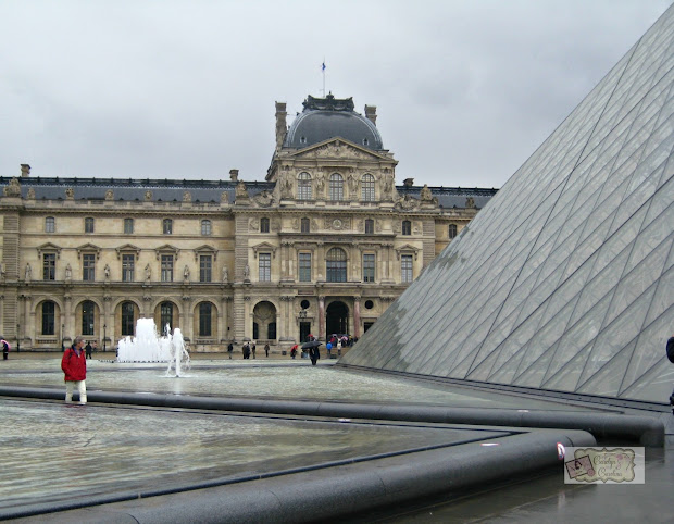 Louvre Museum Orsay Duo - Letitbitwhite