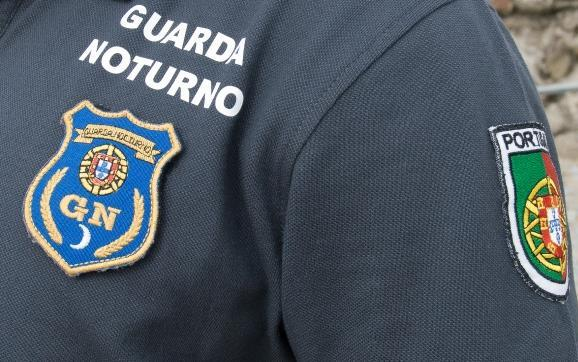 PJ investiga tiro de guarda nocturno que atingiu homem no pescoço no Monte Estoril