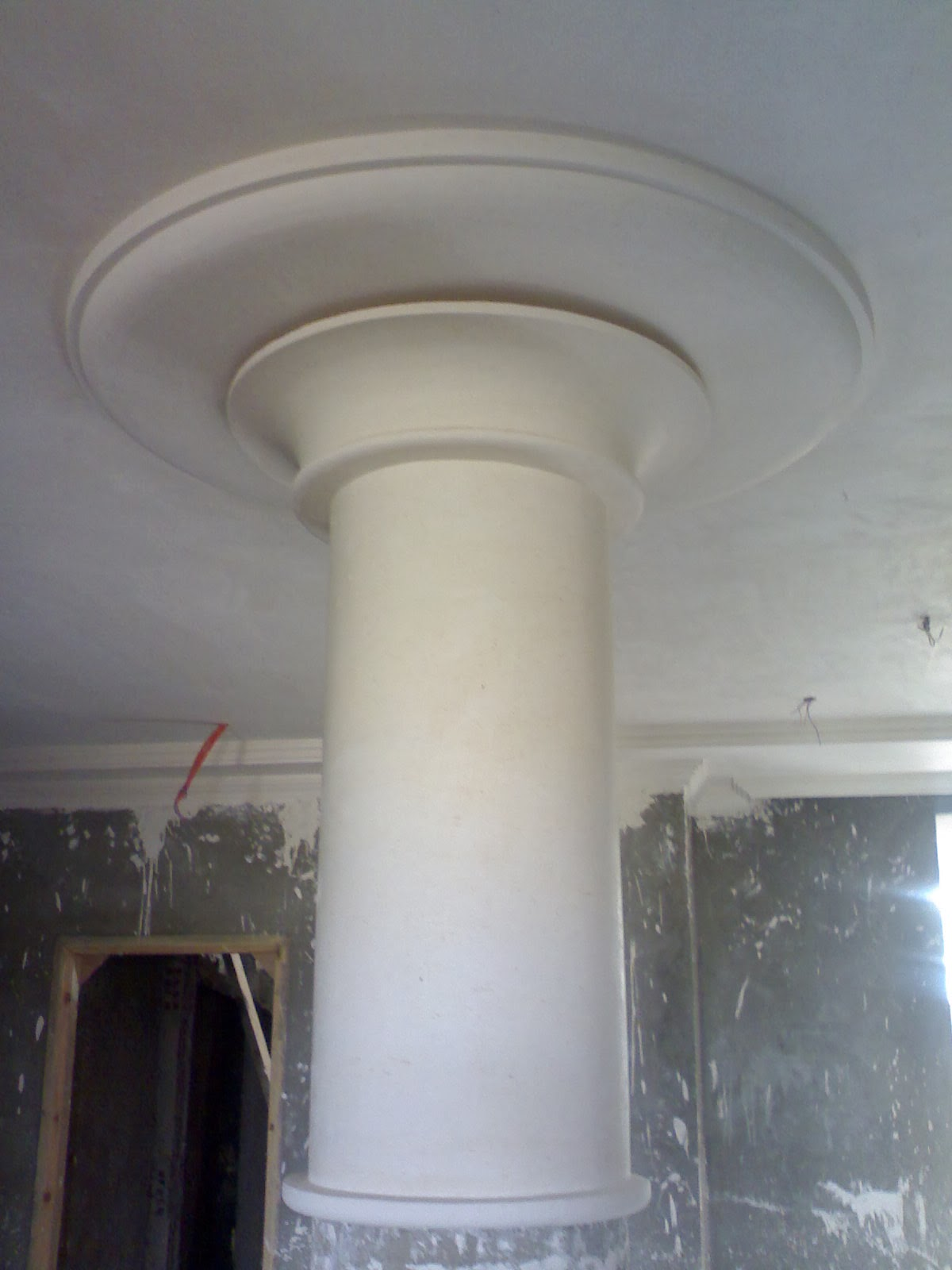 colonnes et des socles de pl tre ms timicha d coration pl tre plafond. Black Bedroom Furniture Sets. Home Design Ideas